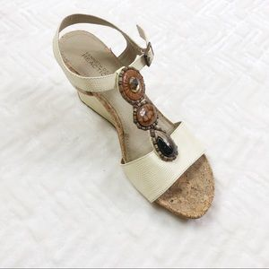 Kenneth Cole Reaction Wedge Sandals Cream Size 8M